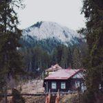 山の見える山荘の画像