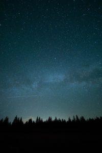 大自然の中で見る星空