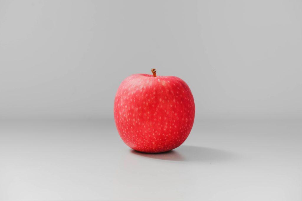 赤いリンゴの写真