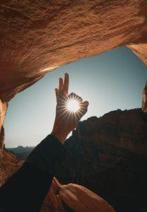 オーケーの中に入った太陽の写真