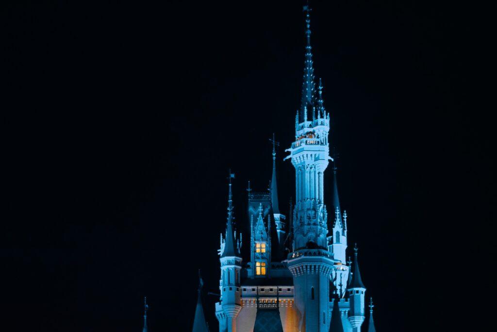 夜のシンデレラ城の写真